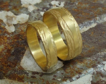 Wedding Band Set , His and Hers Bands , Texture Wedding Ring , Unique Wedding Bands , Gold Wedding Ring , Matching Wedding Bands