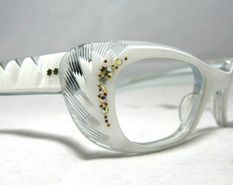 Pin Up Style Vintage Cat Eye Glasses Frames. White and Clear Eyeglasses. NOS