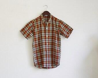 Vintage Mens Plaid Shirt -- Button Down Shirt -- Short Sleeve -- Small
