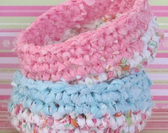 Tutorial for Set of Two Spring Crocheted Baskets