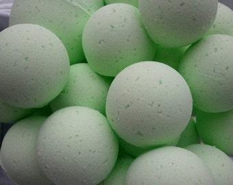 14 bath bombs (GREEN TEA) gift bag bath fizzies, helps keep your skin beautiful, shea, cocoa, 7 ultra rich oils