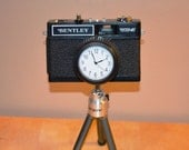 Vintage Bentley WX-3 Wall/Desk Clock