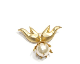 Vintage Dangle Pearl Brooch