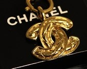 Vintage CHANEL Gold Logo Necklace Quilted Jewelry Jewellery Chain Small Express Shipping 1990 - 1992