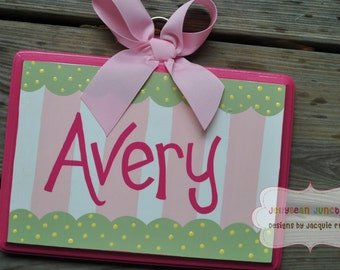 Bow Holder - PREPPY FUN Design - Large - Handpainted and Personalized HairBow Holder