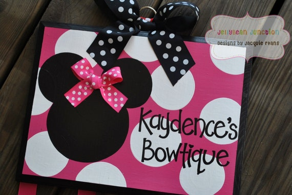 DIVA MINNIE - Handpainted and Personalized Bow Holder - Minnie Inspired Bow Holder