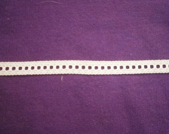 Beading or Ribbon Lace 1/4 inch White Lace  5 yds 417