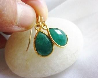 Gemstone Drop Earrings-Gold Drop Earrings-Oval Drop Earrings-Green Onyx Earrings-Green Drop Earrings-Green Quartz Earrings-Momentusny