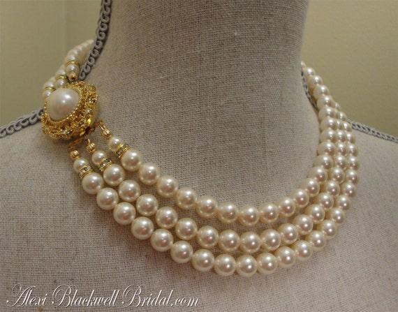 Items similar to swarovski pearl necklace set vintage for Vintage sites like etsy