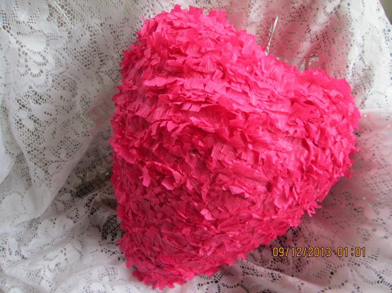 18 inch heart pinata valentine 39 s day pinata love. Black Bedroom Furniture Sets. Home Design Ideas