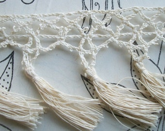 Lovely length of Antique French Ivory Cream Lace tassle Trim Edging Border ribbon