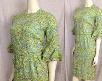 Vintage 1960s paisley Green ruffled sleeve wiggle dress