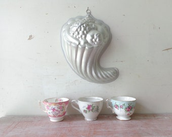 Vintage Aluminium Mould/Mold with Fruit - Vintage Kitchen