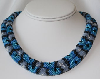 Seed Bead PATTERN Tubular Peyote Stitch for Blue Striped Snake