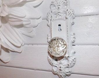 Shabby White / Shabby Chic Door Knob Hook / Shabby Chic /Rustic / Door Knob Decor / Shabby Chic Decor / Curtain Tie Backs