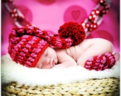 Newborn Baby Girl Photo Prop Red and Pink Elf Hat with Leg Warmers