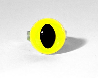 Neon Yellow Cat Eye Ring