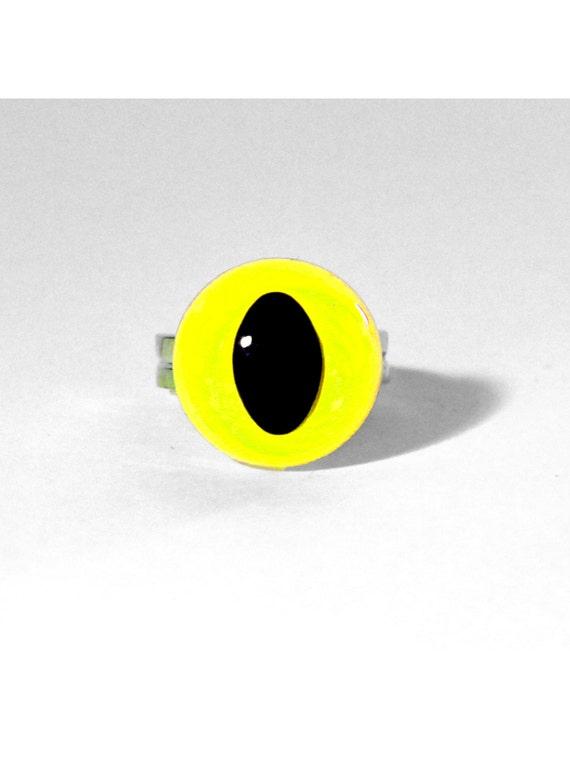 Neon Yellow Cat Eye Ring