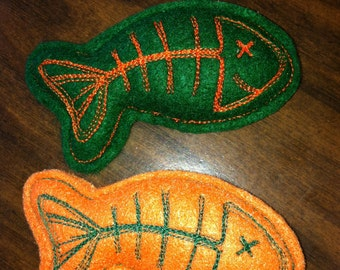Set of 2 Halloween Catnip Infused Fish Bone Cat Toys