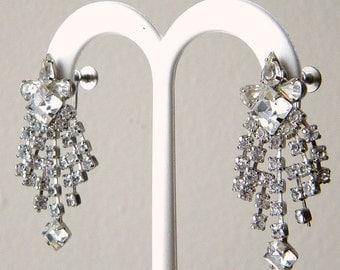 Dazzling 40s Vintage Dangling Rhinestone Screw Back Earrings
