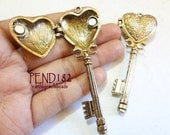 1 pc Antique Gold Key Heart Locket (PEND182)