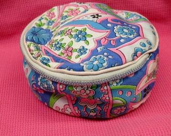1960s CIRCLE Silky Paisley Make Up Bag Powder Puff