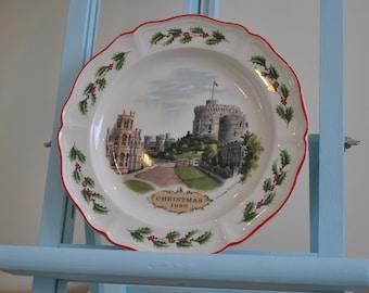 Vintage Wedgwood 1980s Christmas plate - Windsor Castle - Alan Price