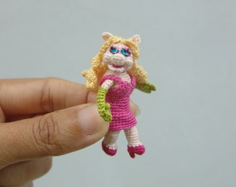 2 inch crochet pig muppet doll  - tiny amigurumi miniature muppet
