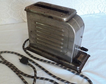 "Vintage Electric Toaster ""The Toastmaser"" Model 1-A-1"