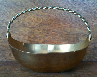 Vintage English Brass Basket Dish Bowl Stand Decorative Trinket Jewellery Ring circa 1950's / English Shop