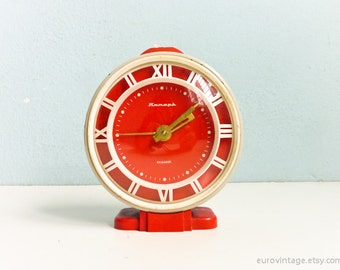 Vintage Red Big Mechanical Alarm Clock Grey White Russian Wind Up 70s