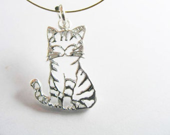 1 of 925 Sterling Silver Cat Charm 8x17mm. :th1622