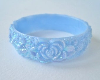 Vintage Molded Carved Style Size SMALL Plastic Pastel Opaque Blue Aurora Borealis Flower Floral Leaf Bangle Bracelet