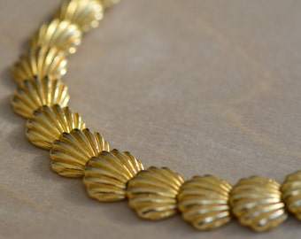 Shell Necklace Gold Tone  Golden 1980 80 1980s 80s Bold Large Statement Piece  Metal Dramatic Classic Elegant Preppy Chic