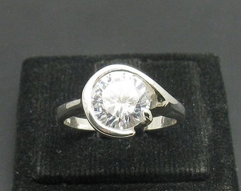 R000585 STERLING SILVER  Ring Solid 925 CZ