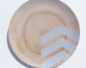 "Modern Wood Simple Chevron 10"" Melamine Plate, Grey"