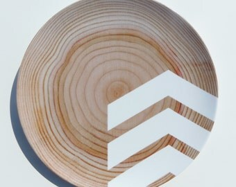 "Modern Wood Simple Chevron 10"" Melamine Plate, White"