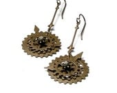Steampunk Watch Gears Antique Brass Movable Cog Time Travel Earrings - whimsydaisydesigns