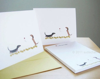 Dachshund Note Cards and Personalized Notepad Set - With Flowers (10 cards, 1 notepad)
