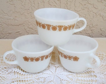 Vintage PYREX Milk Glass Lot Of 3 Tea Coffee Cups.