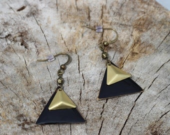 BO-675 Boucles d'oreilles géométriques noir triangle  // Geometric earrings black triangle earrings