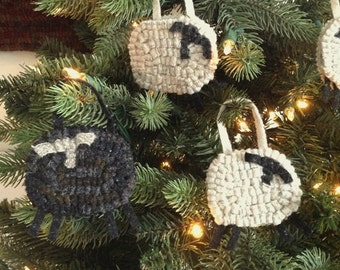 Little Sheep Ornament, J594, Rug Hooked Ornament, Tree Ornament, Door Hanger, Rug Hooked Gift