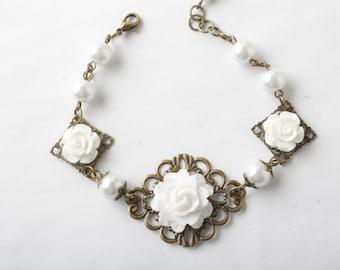 White Bridesmaid bracelet, flower bracelet, rose and pearl bracelet, white wedding jewelry, shabby chic,  bridesmaid gift