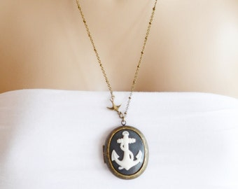 Locket Necklace,Anchor Locket Pendant,Bridesmaid gift,BFF,Cameo Locket,Sailor Ship Gift,Nautical,Anchor Necklace,Rockabilly,Long Necklace,