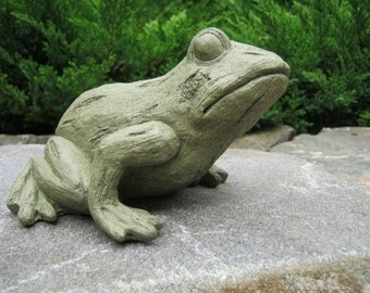 Frog Statue, Tree Frog, Concrete Statue, Cast Stone Figurine, Garden Decor, Concrete Frog, Cement Frog, Pond Decor, Garden Frogs Cast Stone