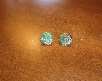 vintage clip on earrings green gold scroll lucite