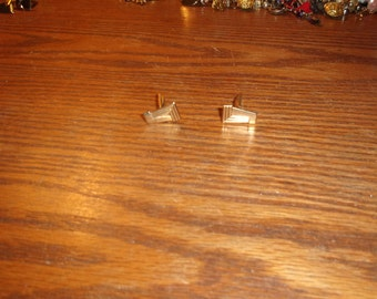 vintage pair cuff links goldtone