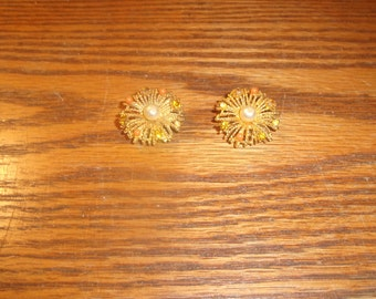 vintage clip on earrings goldtone