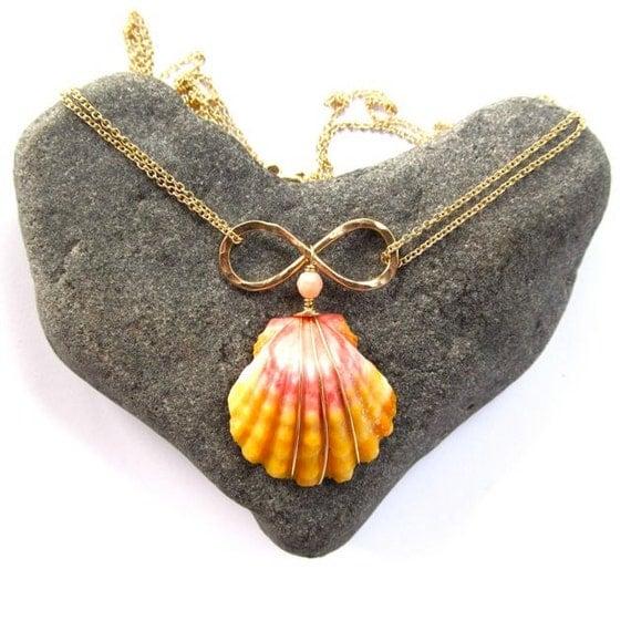 Sunrise Shell Necklace Sunrise Shell Necklace Gold