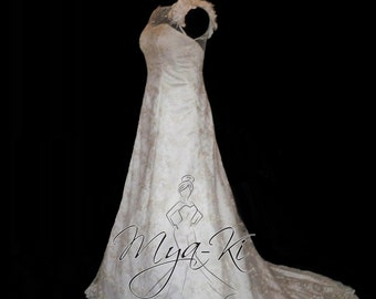 Sleevless A-Line Lace wedding dress/gown  (Custom order MKG18)